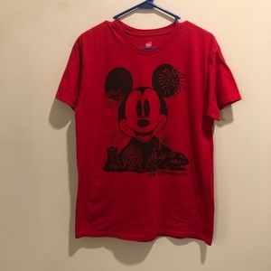 Disney Mickey Mouse graphic t shirt red